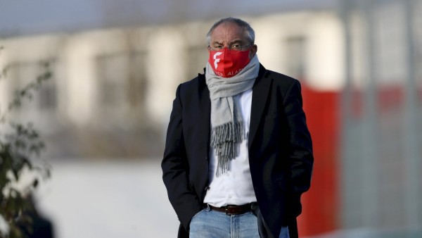 Würzburger Kickers: Felix Magath beim ersten Training von Bernhard Trares