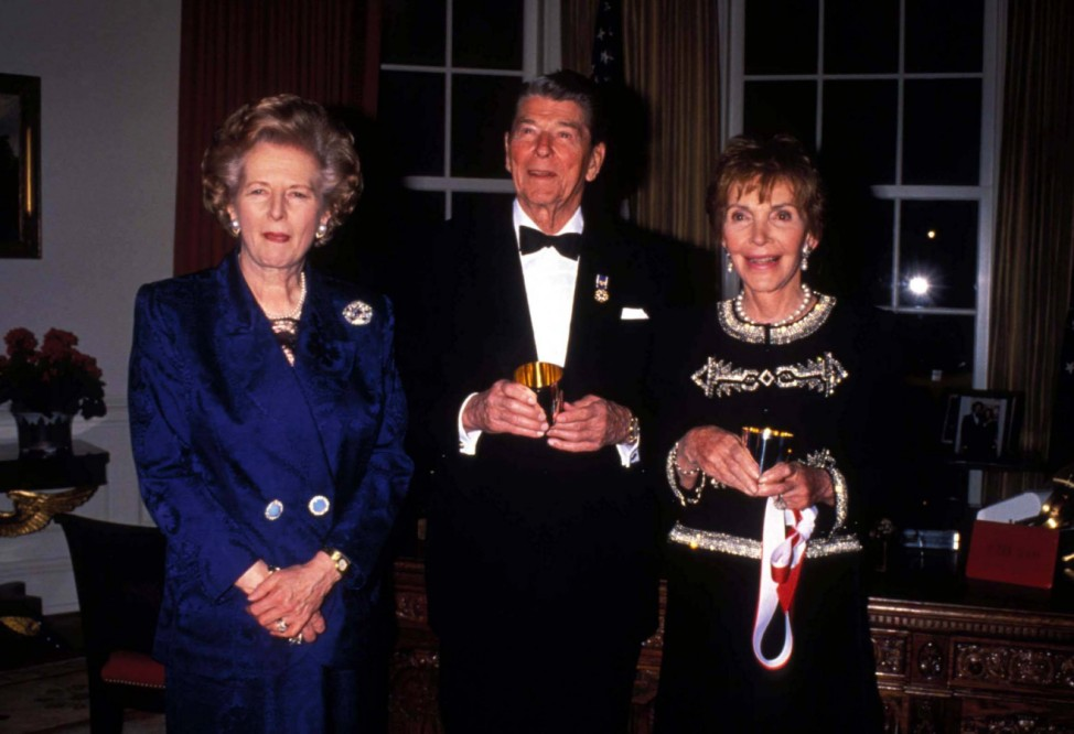 Jan 1 2011 L4837LR LADY MAGARET THATCHER WITH RONALD AND NANCY REAGAN 1993 LISA ROSE 1993 RONA