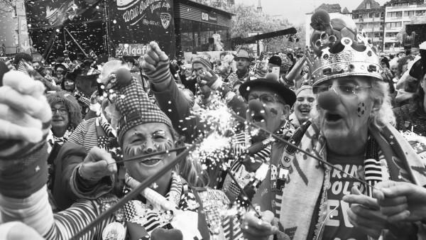 KËÜln, Karneval 11.11.2019, Willi Ostermann Gesellschaft, KËÜlner Karneval, Sessionsbeginn, SessionserËÜffnung, bunt Kost¸m