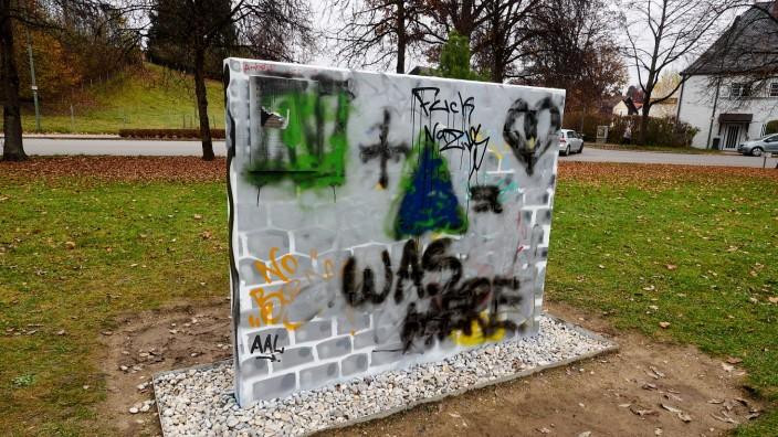 Mauer Stadtpark Grafitti