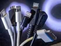 Verbraucherschutz: EU führt einheitliches Ladekabel für Handys ein