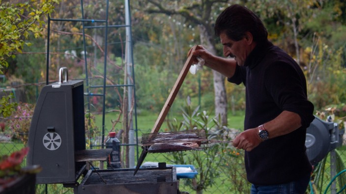 Schrebergärten: Grillen geht gerade noch