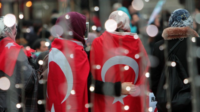 Islam in Deutschland: IGMG-Demonstration für Frieden in Syrien