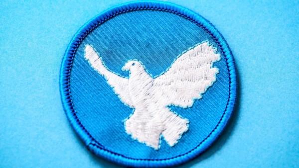 Friedenstaube auf einem Aufnäher *** Peace dove on a patch