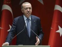 Corona-Maßnahmen: Erdoğan legt die Türken trocken