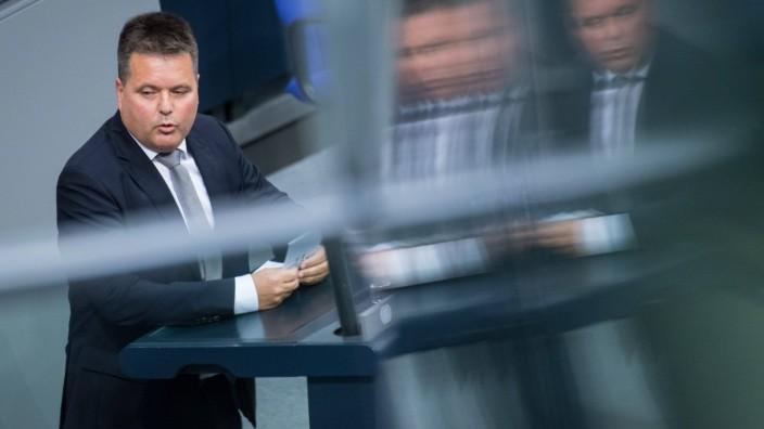 Berlin, Debatte im Bundestag Deutschland, Berlin - 29.10.2020: Im Bild ist Jürgen Dusel (Beauftragte der Bundesregierun