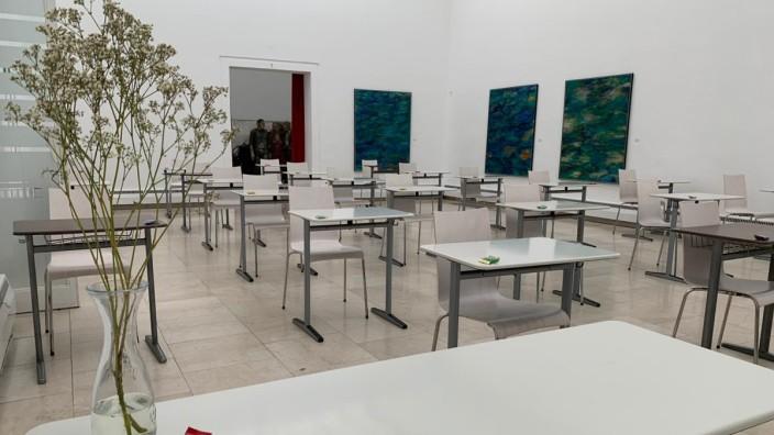 Rosenheim Städtische Galerie Kooperation mit Gymnasium Unterricht inmitten von Kunst