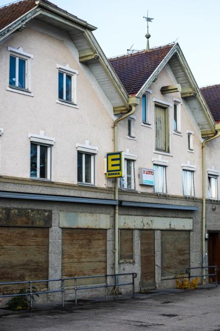 MAMMENDORF:  Entlang der Bundesstraße 2 durch den Ortskern