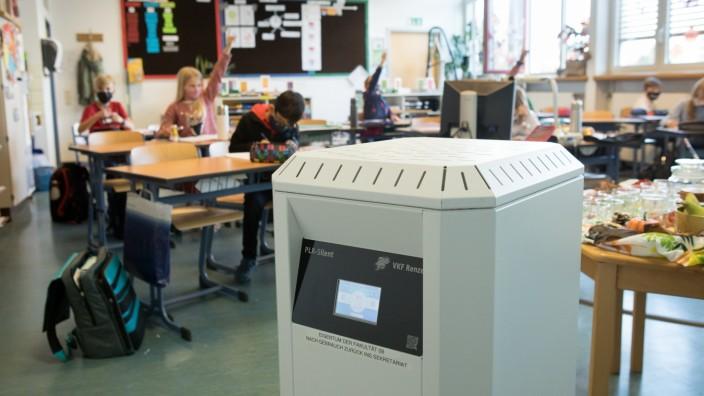 Forschungsprojekt Luftfilter Klassenzimmer Grundschule Parksiedlung, Oberschleißheim. Klasse 4c mit Lehrerin Lena Negele.
