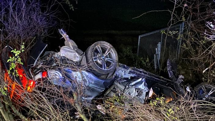 Ein Toter und drei Verletzte bei Unfall nahe Eching