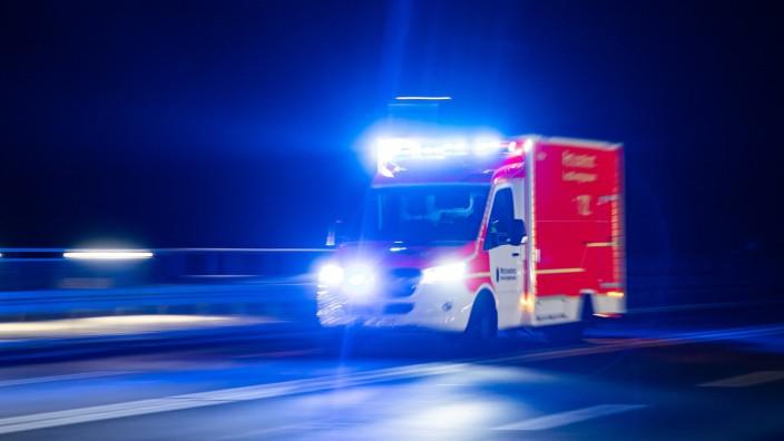 Urteil: Einsatzfahrzeug muss auch im Notfall aufpassen