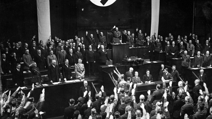 Hitler bei der Reichstagssitzung 17. Mai 1933