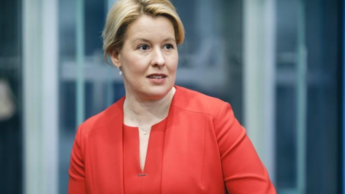 Bundesfamilienministerin Franziska Giffey (SPD) im Rahmen der Bundespressekonferenz in Berlin, 25.05.2020 Berlin Deutsch