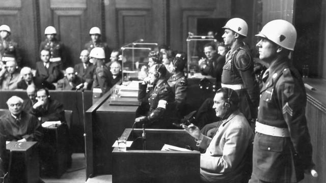 Nürnberger Prozesse: Hermann Göring sagt während des Prozesses aus