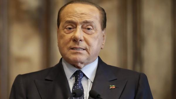 Italiens Ex-Regierungschef Berlusconi positiv auf Corona getestet