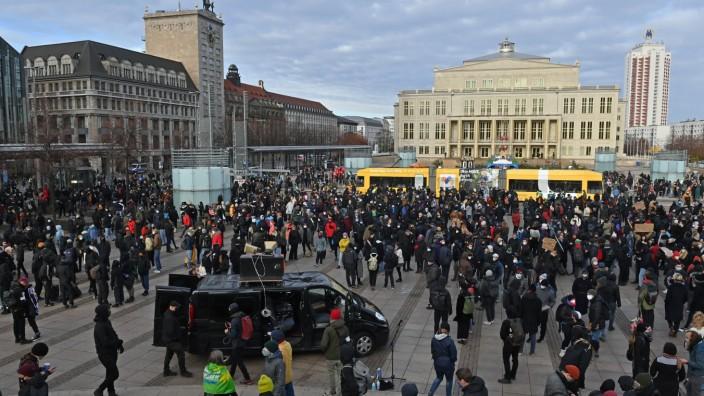 Demonstration gegen Corona-Politik - Leipzig - Gegenprotest