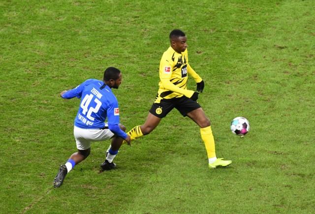 Fussball, Herren, 1. Bundesliga, Saison 2020/21, (8. Spieltag), Hertha BSC - Borussia Dortmund (2:5), v. l. Deyovaisio Z; Moukoko