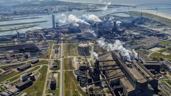 IJMUIDEN 28-04-2020, Aerial photos IJmuiden, Tata Steel in IJmuiden. Tata Steel Europe, staalproductie, hoogwaardig staa