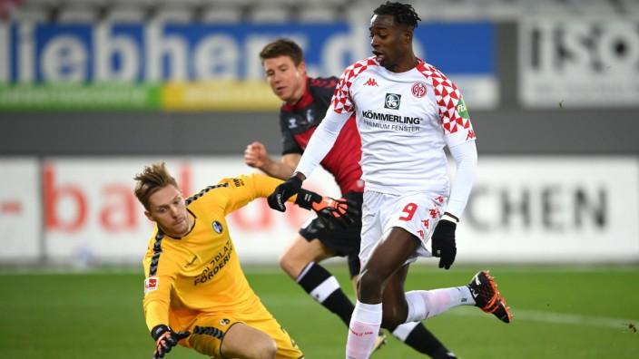 Sport-Club Freiburg v 1. FSV Mainz 05 - Bundesliga