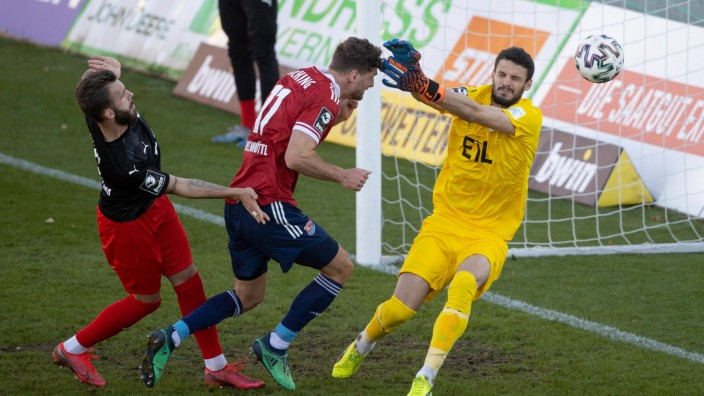 Patrick HASENHUETTL (HASENHÜTTL) ( 11 UNT) trifft ins Tor zum 1:2. Fussball, SpVgg Unterhaching - FC Viktoria Koeln, 3.