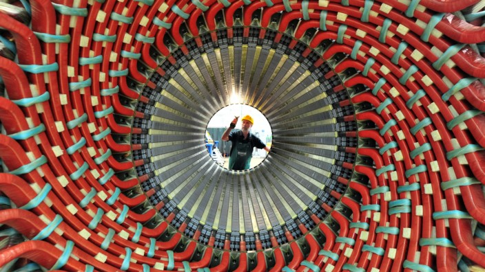 Thüringens Wirtschaftsminister besucht Siemens-Generatorenwerk