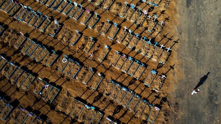 Corona-Pandemie: Der Preis für verlorene Zeit: Das Coronavirus hat besonders verheerend in der brasilianischen Stadt Manaus gewütet.