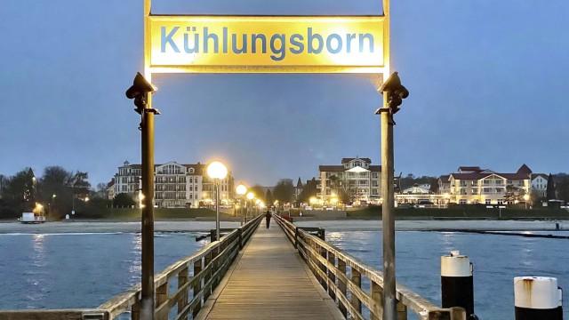 OSTSEE KUEHLUNGSBORN 9. November 2020 in Kuehlungsborn *** OSTSEE KÜHLUNGSBORN 9 November 2020 in Kuehlungsborn