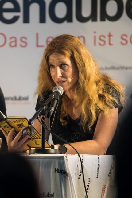 Ursula Poznanski bei Lesung mit Übernachtungsparty in München, 2019