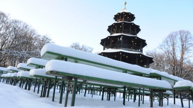 Winter am Chinesischen Turm in München, 2012