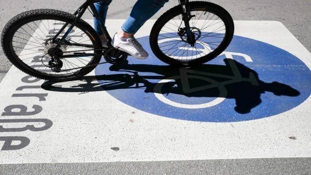 Radfahrer zur Zeit der Corona-Krise in München, 2020