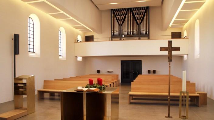 Der neu gestaltete Innenraum der Christuskirche; Christuskirche Tutzing