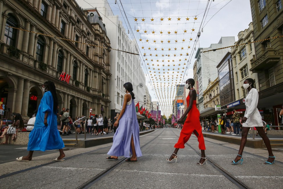 "Melbourne Fashion Week: Pop Up 3 âÄ"" Festive Season"