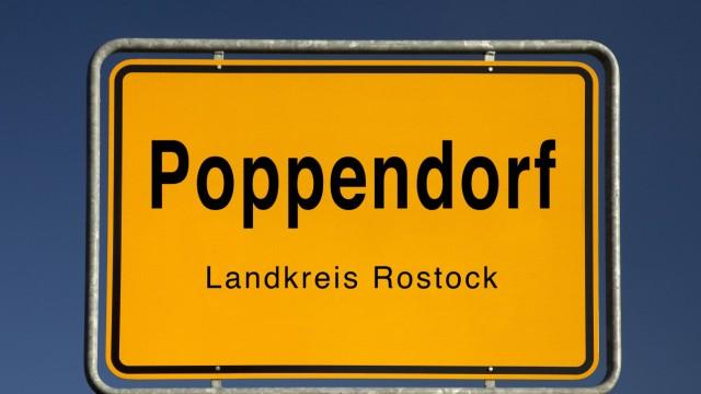 Ortseingangsschild von Poppendorf Gemeinde im Landkreis Rostock Deutschland Mecklenburg Vorpommer