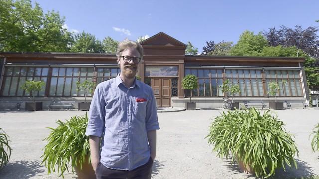 Rasmus Kleine vor dem Kallmann-Museum in Ismaning, 2020