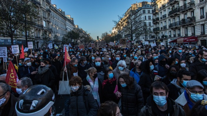 New day of mobilization throughout France against the global security law PUBLICATIONxINxGERxSUIxAUTxONLY SadakxSouicix