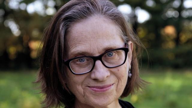 kostenfreies Autorinnenfoto von Lydia Davis für Rezension, (c) Theo Cote/Droschl Verlag