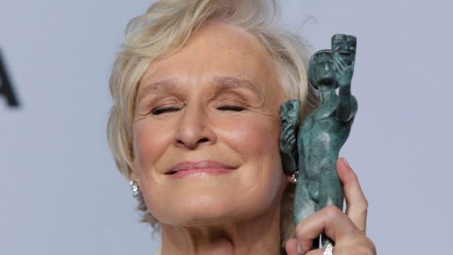 "25th Screen Actors Guild Awards âÄ"" Photo Room âÄ"" Los Angeles, California, U.S."