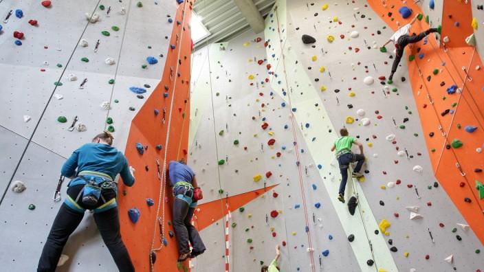 Mitgliederrückgang bei Sportvereinen: Auch wenn die Kletterhalle derzeit geschlossen ist: Der Freisinger Alpenverein registriert keine Abmeldungen, aber auch keine neuen Mitglieder.