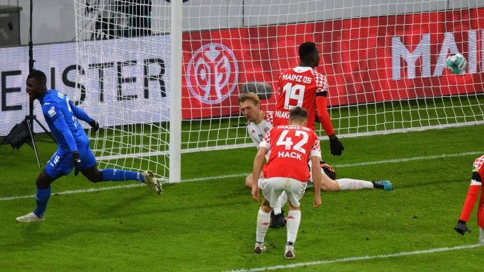 29.11.2020, xfux, Fussball 1.Bundesliga, FSV Mainz 05 - TSG 1899 Hoffenheim emspor, v.l. Ihlas Bebou (1899 Hoffenheim),