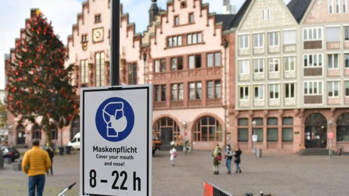 xblx, Maskenpflicht in der Innenstadt von Frankfurt, Römer, Rathaus Frankfurt am Main *** xblx, mask obligation in the