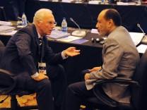 Fussball International 59 FIFA Kongress 2009 30 05 2009 Archivbild Franz Beckenbauer li Deutschla; Beckenbauer