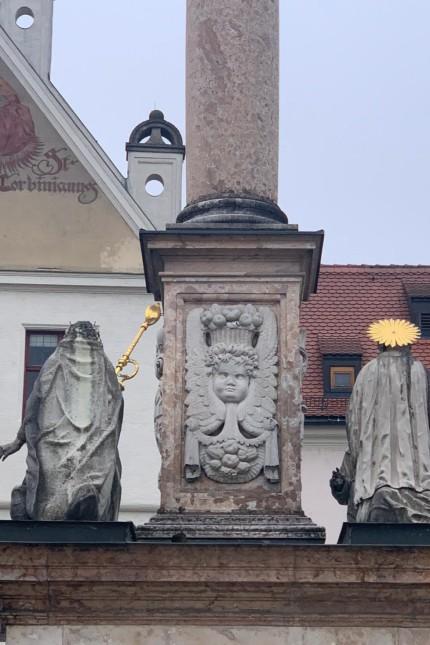 Dem Bischof fehlt die Krone