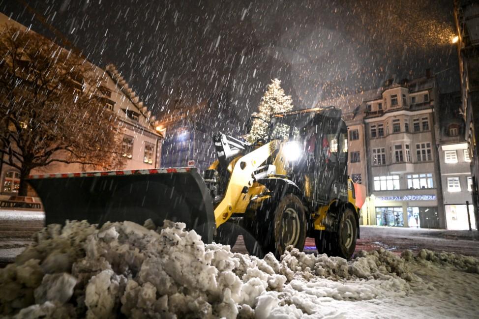 Wintereinbruch - Schneefall im Süden