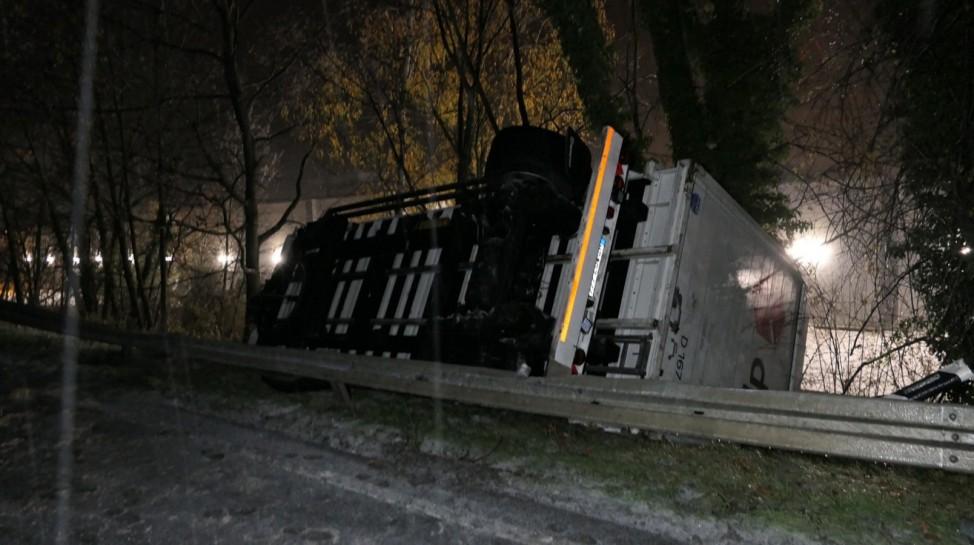 Wintereinbruch in Teilen Deutschlands führt zu Glatteisunfällen