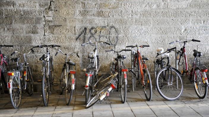 Fahrräder am S-Bahnhof Laim, 2010