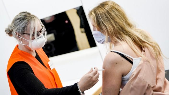 Vorstellung der Impfstraße im Corona-Impfzentrum in Husum