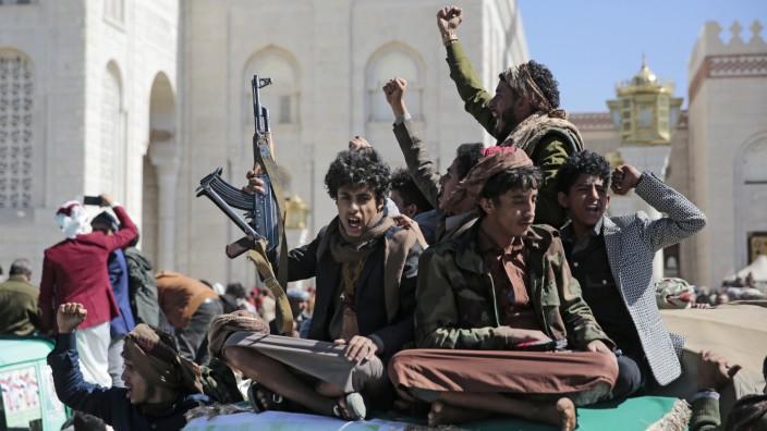 Konflikt im Jemen - Beisetzung von Huthi-Rebellen
