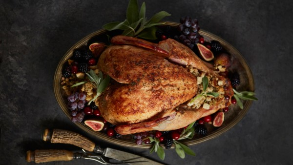 Turkey on Platter for Thanksgiving with Dressing Dallas, TX, United States PUBLICATIONxINxGERxSUIxAUTxONLY CR_RORO200318