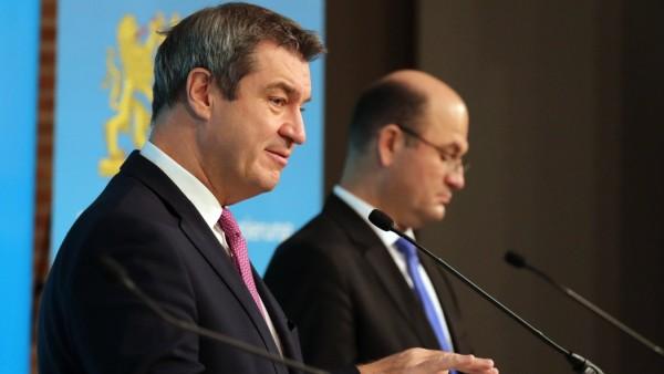 Pressekonferenz der bayerischen Staatsregierung zum Thema Corona Massnahmen mit Ministerpräsident Dr. Markus Söder, Fin