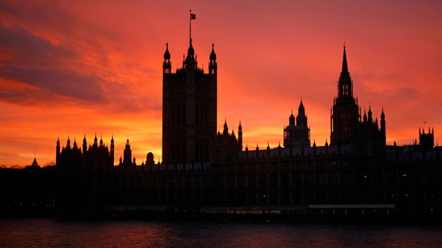 London: Sonnenuntergang hinter Westminster